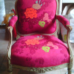 relooking-fauteuil-brest-landerneau-velours-fleurs-contemporain-tapissiere-sandrine-le-berre-.jpg