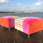 Création de poufs Tissus designers Guild et deschmaker rose orange à pois multicolors